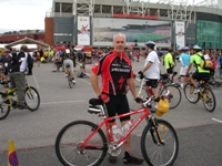 Ian_At_The_Start_Of__The_2010_Manchester_To_Blackpool_Cycle_Ride_For_Christies